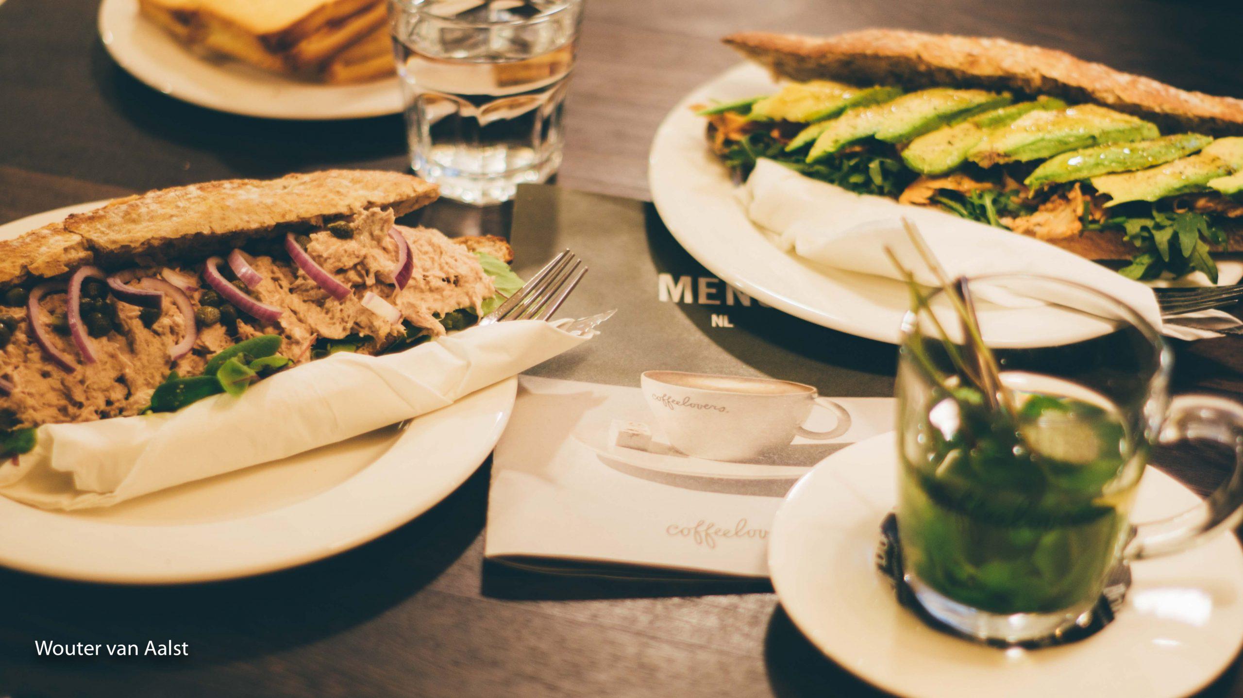 coffeelovers, nijmegen, tonijn broodje, avocado humus kip broodje, wouter van aalst, personal trainer, foodhotspot, blog, koffie, chia latte