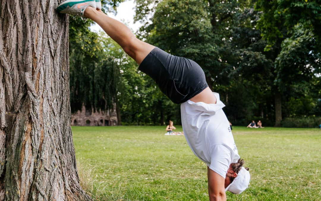 personal trainer, nijmegen, handstand, valkhof, personal training, holds, isometrics, training